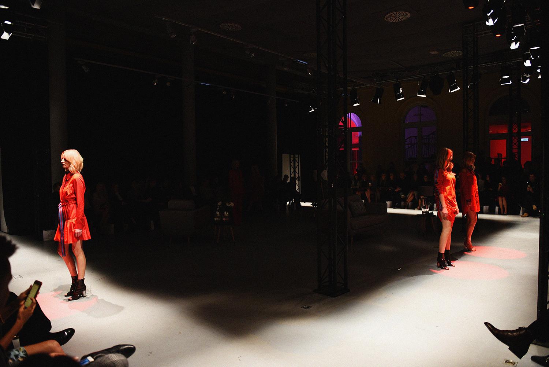 show-2
